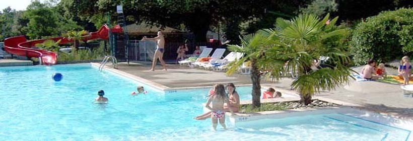 Camping le martinet rouge for Camping carcassonne avec piscine